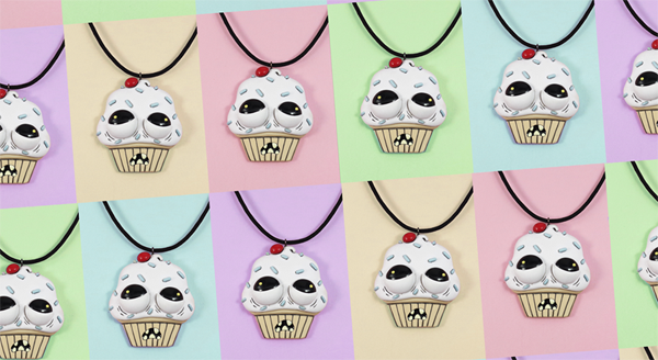 Ug;e Cupcake Necklace
